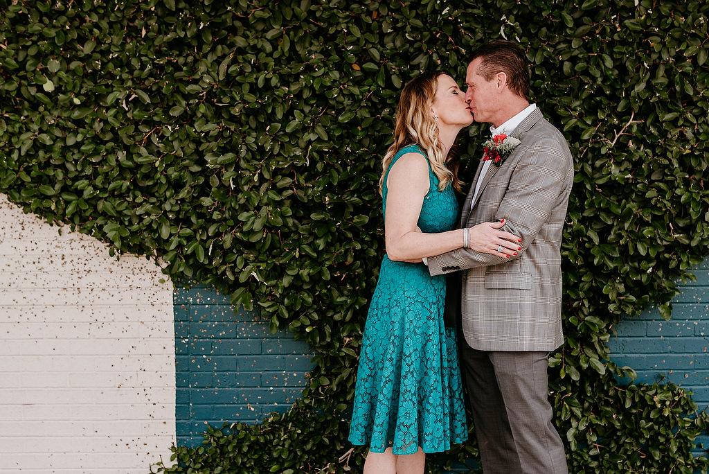 2018-HINGST-WEDDING-135-ANINDOORLADY