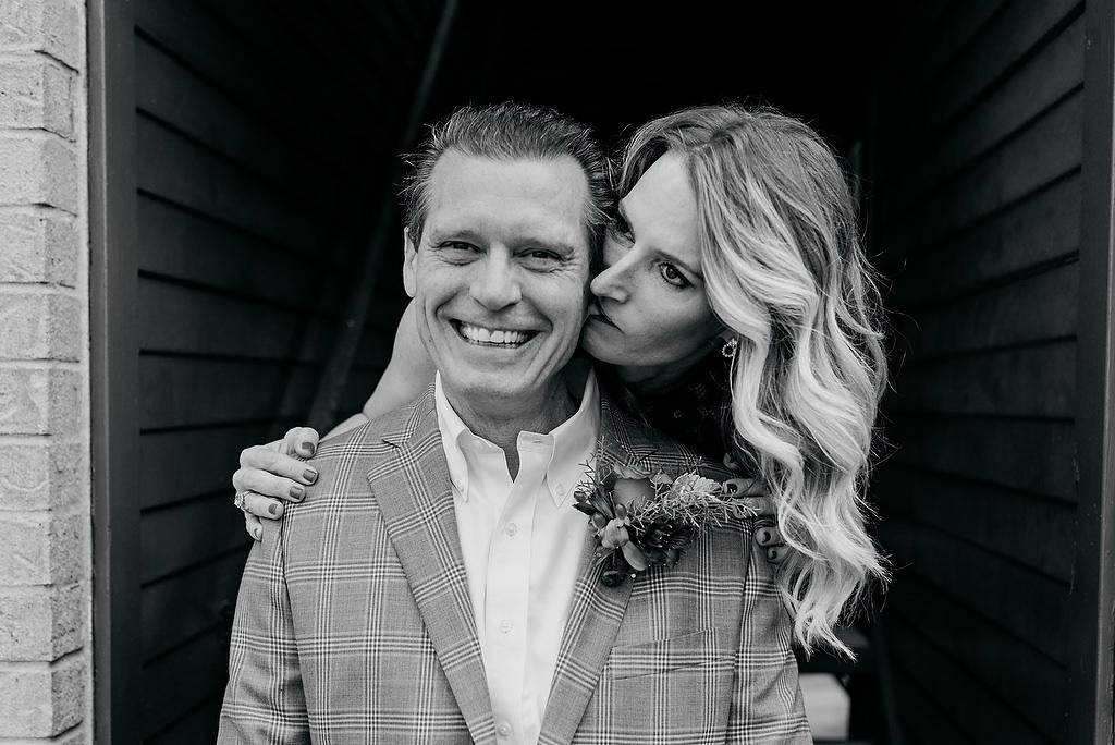 2018-HINGST-WEDDING-164-ANINDOORLADY